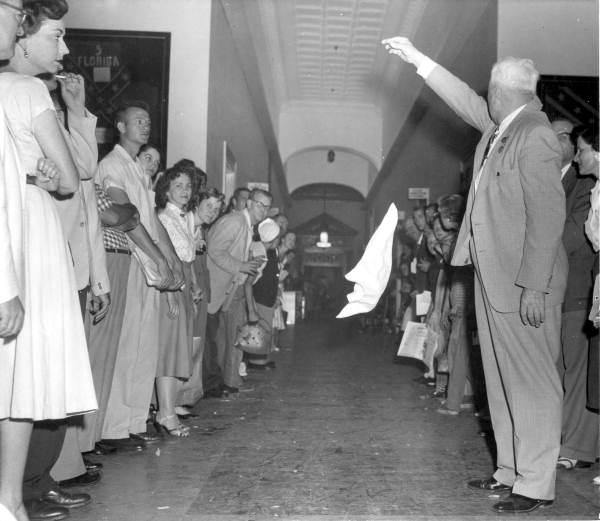 Sine die 1955